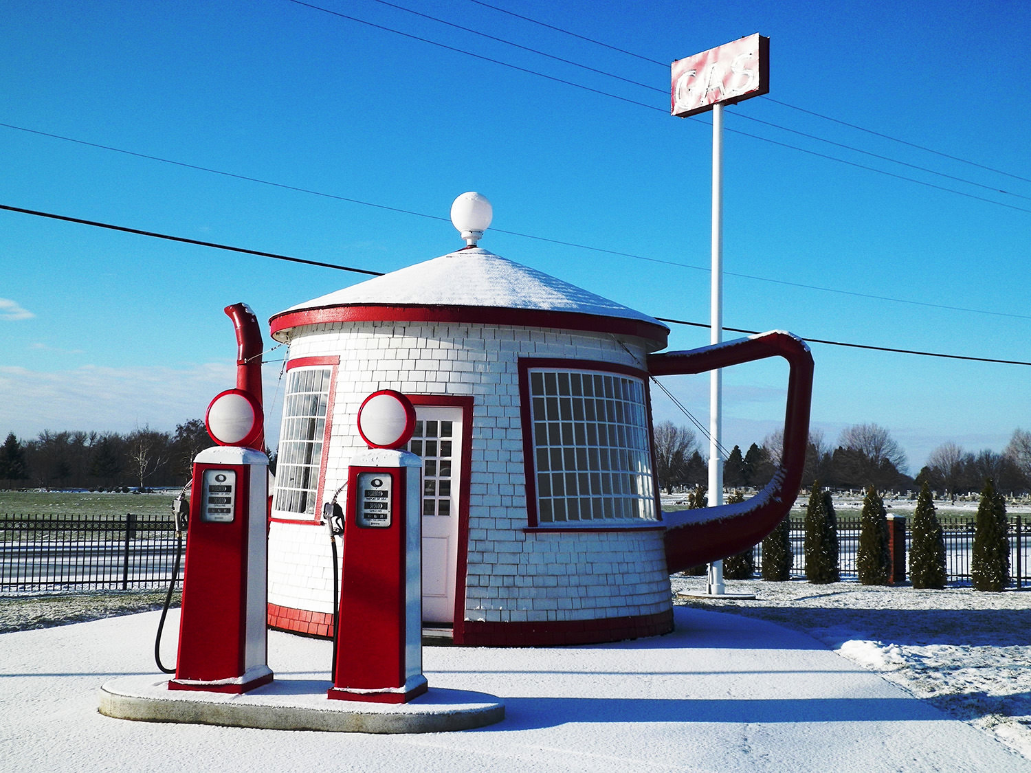 The Teapot Dome Service Station in Washington state is an example of novelty architecture and of a roadside attraction
